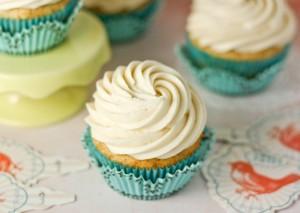 banana-cupcakes-photo