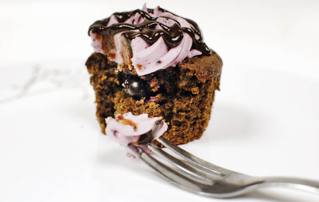 Chocolate Chunk Blueberry Cupcakes