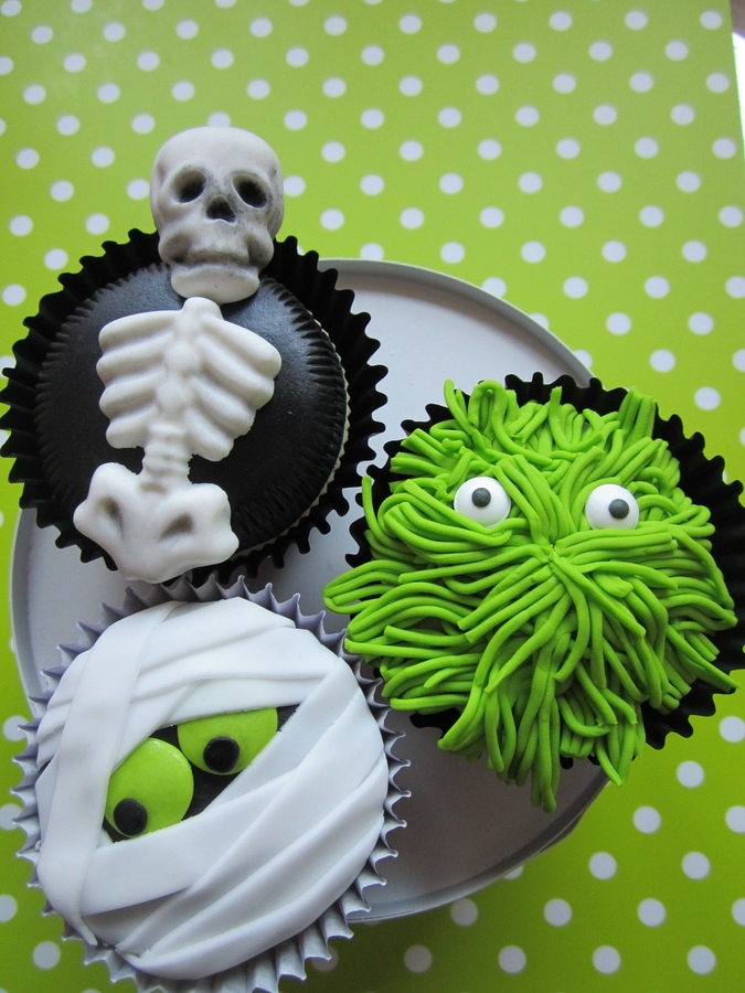 Halloween Cupcake Cake Decorating Ideas : More Halloween Cupcake Decorating Ideas! - Cupcake Fanatic