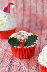 christmas holly cupcake