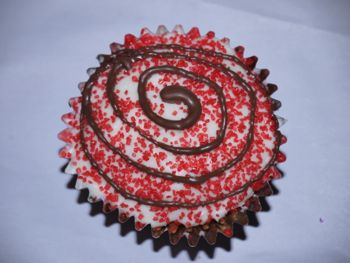 Valentine Cupcake Decorating: Marshmallow Shapes