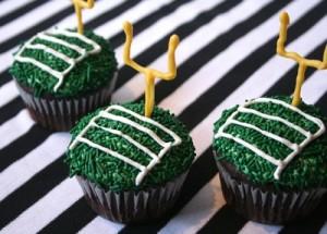 Super-Bowl-Cupcakes-missmakecom