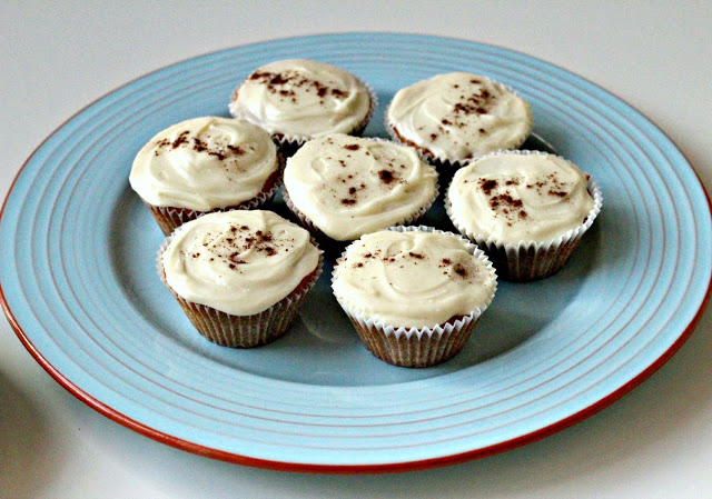 chai honey frosting cupcakes