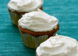 White Chocolate Macadamia Nut Cupcakes