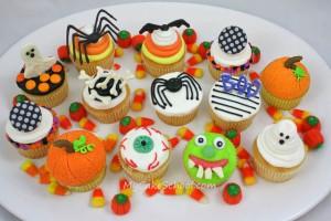 Halloween Cupcake Decorating Tutorial!
