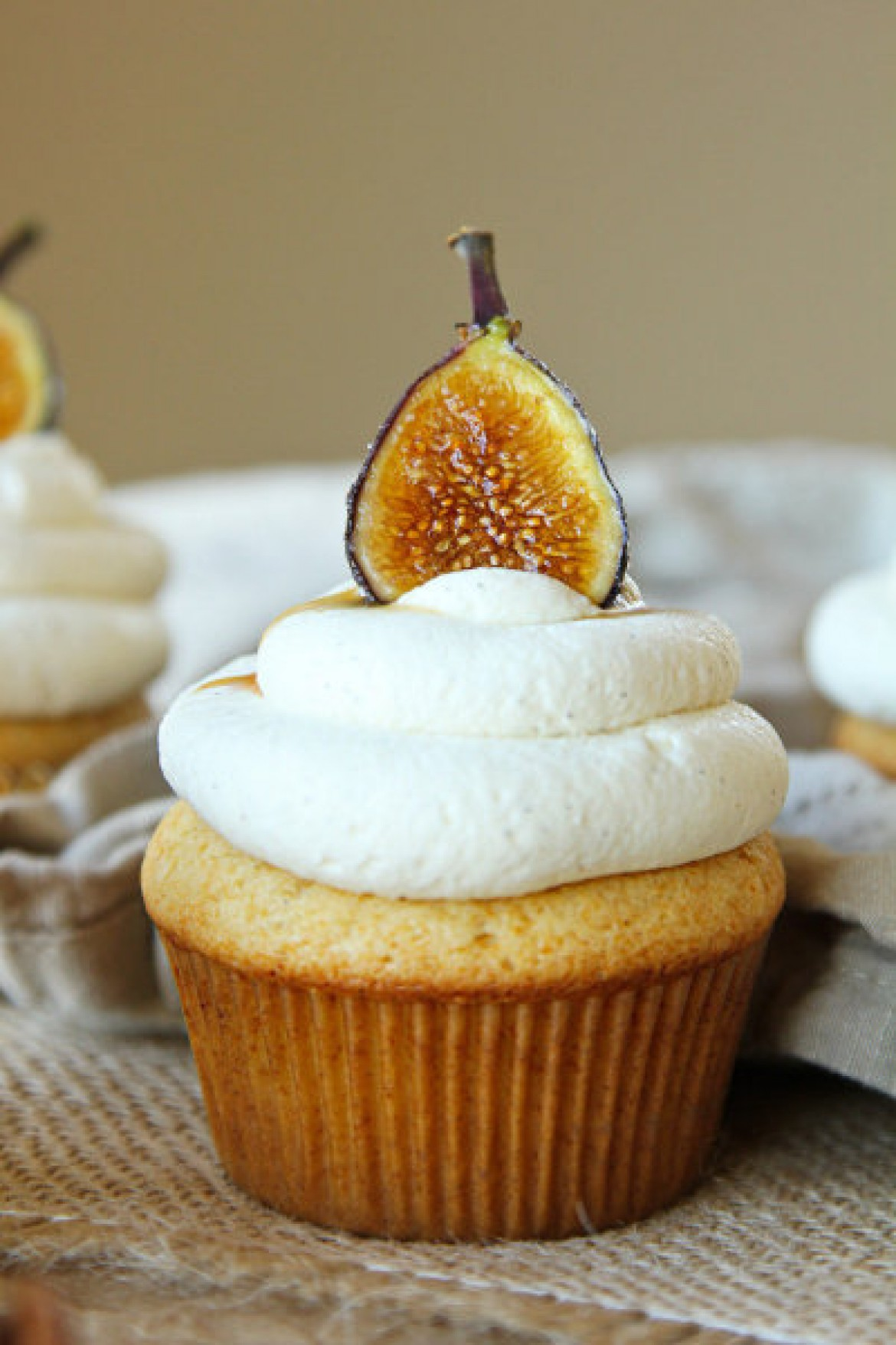 Honey Cupcakes with Mascarpone Frosting - Cupcake Fanatic