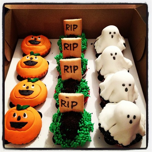 More Halloween Cupcake Decorating Ideas! - Cupcake Fanatic