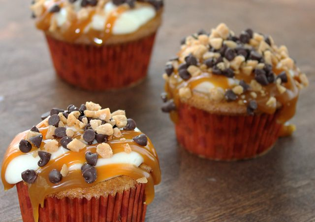 Apple Cupcakes with Cream Cheese and Caramel