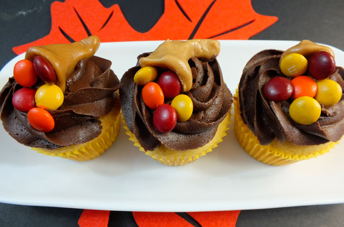 Thanksgiving Carmelcopia Cupcakes - Cupcake Fanatic Chocolate Cupcake With Cream Cheese Frosting